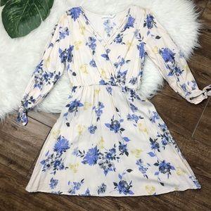 Lush • Floral Criss Cross Open Sleeve Dress